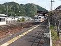 飛騨金山駅を出発するキハ48 - panoramio.jpg
