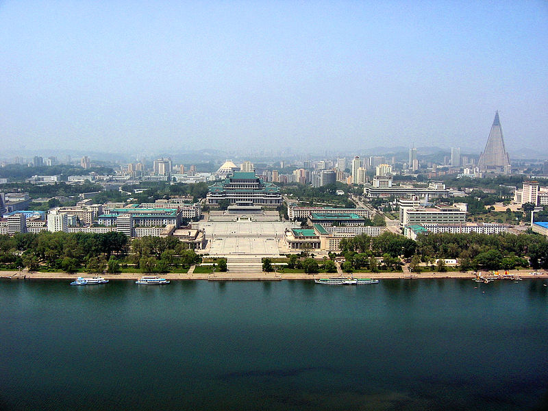 Súbor:0322 Pyongyang Turm der Juche Idee Aussicht.jpg