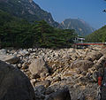 0335 - Nordkorea 2015 - Kumgang Gebirge (22974235001).jpg