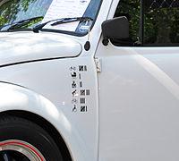 13-05-05 Oldtimerteffen Liblar VW Käfer weiss 01 Detail.jpg