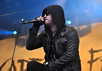 13-06-09 RaR Escape the Fate Craig Mabbitt 04.jpg
