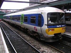 First Great Western Link - Image: 165137 at Reading