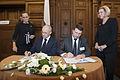 19.Baltijas Padomes kopīgā paziņojuma parakstīšana (11115110095).jpg