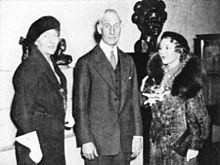 "English: Artist Malvina Hoffman; Stanley Field, director and the nephew of the founder of the Field Museum of Natural History in Chicago; and actress Mary Pickford at the 1934 opening of Hoffman's Grand Central Art Galleries exhibition ""The Races of Man."""