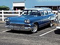 1958 Pontiac Star Chief Custom Safari (34745120246).jpg