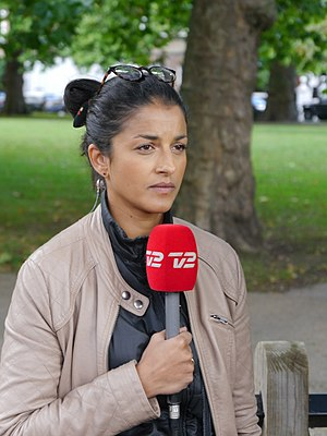 TV 2 (Denmark) - TV2 journalist reporting from the 2017 Parsons Green bombing