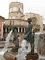 223 Font del Túria, pl. Mare de Déu (València), amb la Catedral al fons.jpg