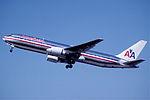 244ac - American Airlines Boeing 767-323ER, N352AA@ZRH,06.07.2003 - Flickr - Aero Icarus.jpg