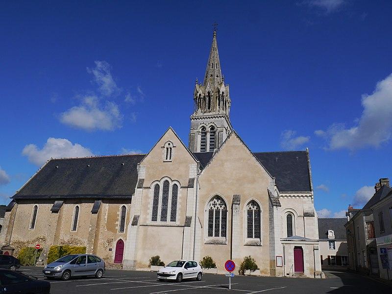 L'église Saint-Aubin de Morannes.