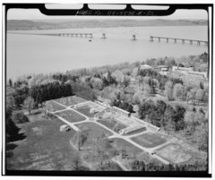 AERIAL VIEW FROM THE SOUTHEAST - Lyndhurst, Greenhouse, 635 South Broadway, Tarrytown, Westchester County, NY HABS NY,60-TARY,1B-32.tif