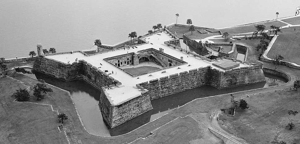 Aerial view of Castillo De San Marcos - 02 cropped 01