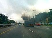 Poluição atmosférica, causada principalmente pelo tráfego intenso.