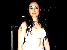 Akriti Kakkar - Wikipedia, the free encyclopedia