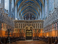 Albi cathedral - choir and choir screen.jpg