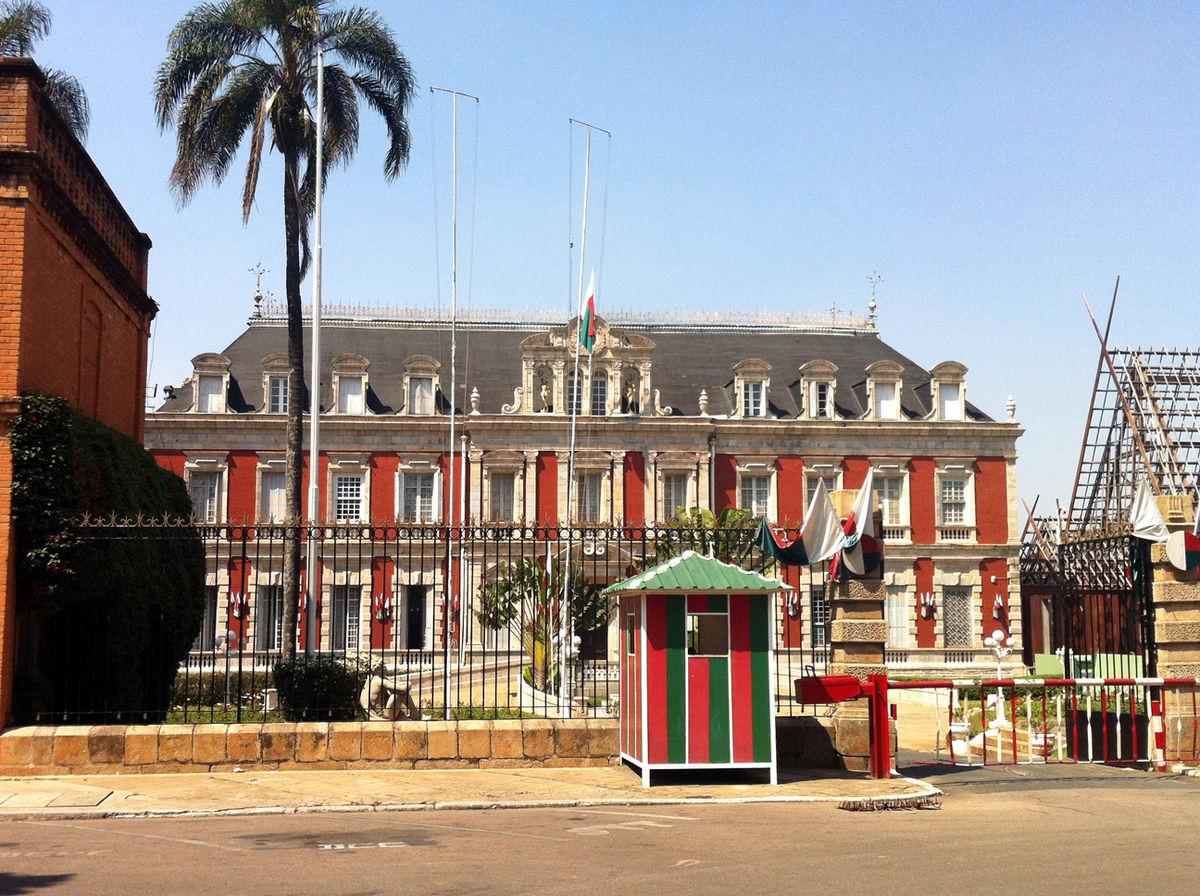 """Résultat de recherche d'images pour """"Palais présidentiel Madagascar"""""""