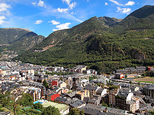 Geography of Andorra - View of Andorra la Vella with mountains
