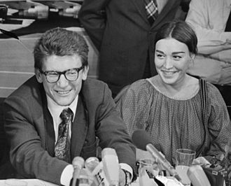 Andrei Amalrik - Andrei Amalrik with his wife, artist Gyuzel Makudinova, at a press conference in the Netherlands, 1976
