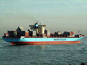 Anna Maersk p3 approaching Port of Rotterdam, Holland 24-Jan-2006.jpg