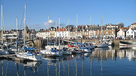 Anstruther Harbour - geograph.org.uk - 1727365.jpg