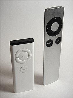 Apple Remote Compare G1 with G2 DSC08604.JPG