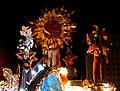 Así son los carnavales de Santiago de Cuba, como soles - panoramio.jpg