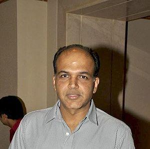 10th IIFA Awards - Ashutosh Gowariker (Best Director)