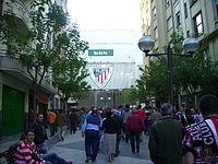 Inmediaciones de San Mamés, estadio del Athletic Club de Bilbao, un día de partido