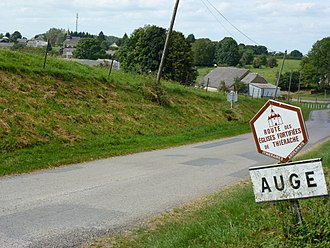 Auge, Ardennes - Entry to the village
