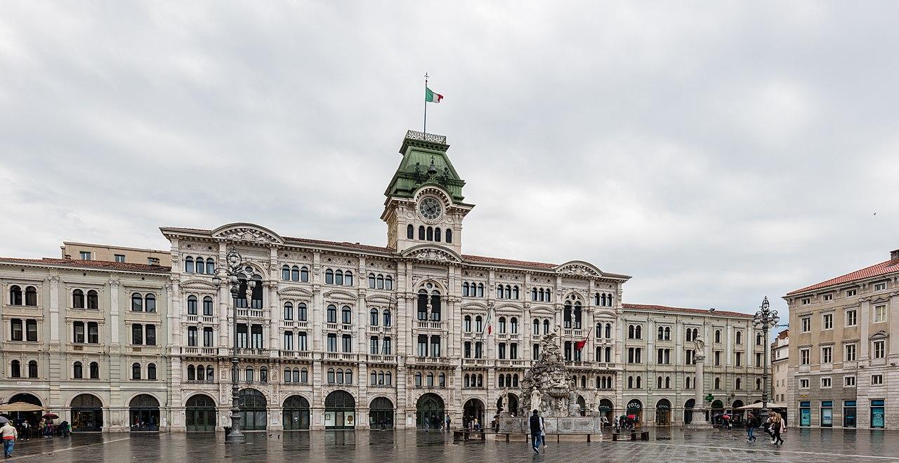 File:Ayuntamiento, Trieste, Italia, 2017-04-15, DD 16.jpg ...