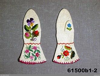 Nålebinding - Swedish nålebinding mittens, late 19th century.