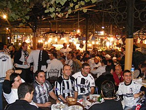 Çarşı (supporter group) - Fans eating at fish restaurants