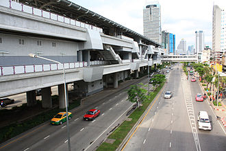 BTS Skytrain - Exterior view of Wongwian Yai station