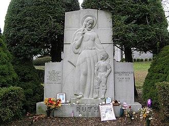 1948 New York Yankees season - The grave of Babe Ruth