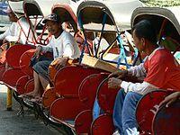 Persewaan Mobil Kota Solo on Becak Adalah Salah Satu Moda Transportasi Paling Umum Di Solo