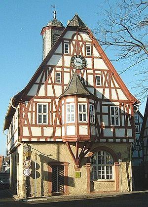 Bergen-Enkheim - Image: Bergerrathaus 2