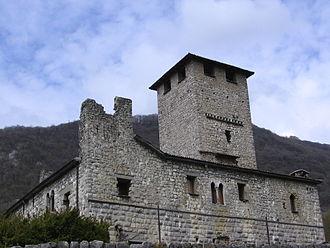 Bianzano - Image: Bianzano castello 03