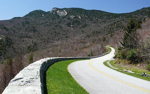 Blue Ridge Parkway in Avery County, NC. Photo: Ken Thomas, Wikimedia Commonsk