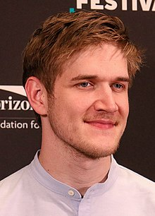 Bo Burnham Montaclair Film Festival (cropped).jpg