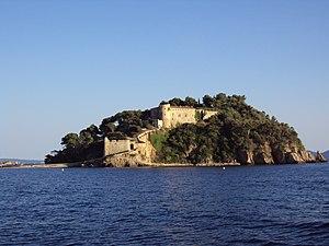 Fort de Brégançon - The Fort de Brégançon seen from the sea.