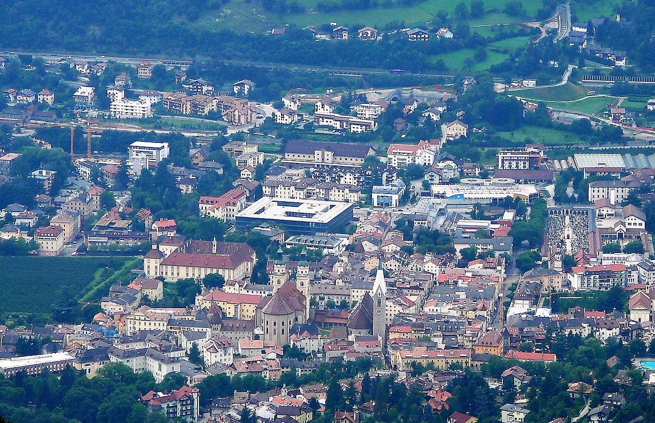 file bressanone centro jpg wikimedia commons