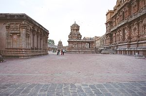 Prakaram - Prakaram of Brihadeeswarar Temple with Sanctum on the right