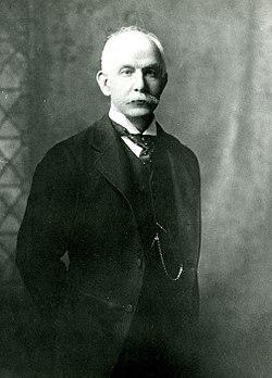 Brooks Adams, c. 1910.jpg