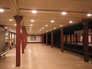 Line 1 (Budapest Metro) - Image: Budapest Foeldalatti Opera Station