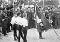 Bundesarchiv Bild 102-12395, Rom, Mussolini weiht Jungfaschisten-Fahne.jpg
