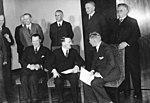 Bundesarchiv Bild 102-15348, Reichskabinett Adolf Hitler.jpg