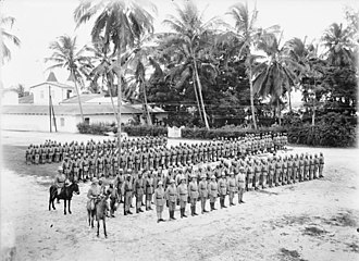 East African Campaign (World War I) - A colonial Askari company ready to march in German East Africa (Deutsch-Ostafrika)