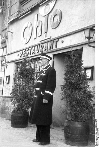 Bouncer (doorman) - The doorman from the Ohio-Bar in Berlin in 1948