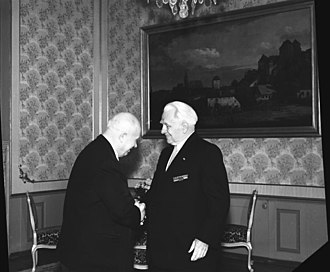 President of East Germany - Image: Bundesarchiv Bild 183 62653 001, N.S. Chruschtschow besuchte Wilhelm Pieck