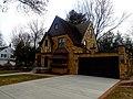 Burr ^ Marie McWilliams Residence - panoramio.jpg