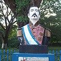 Busto De El Cap Barrios En Sessori, Usulutan.jpg